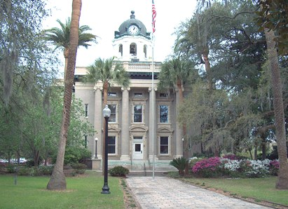 photo of historic courthouse
